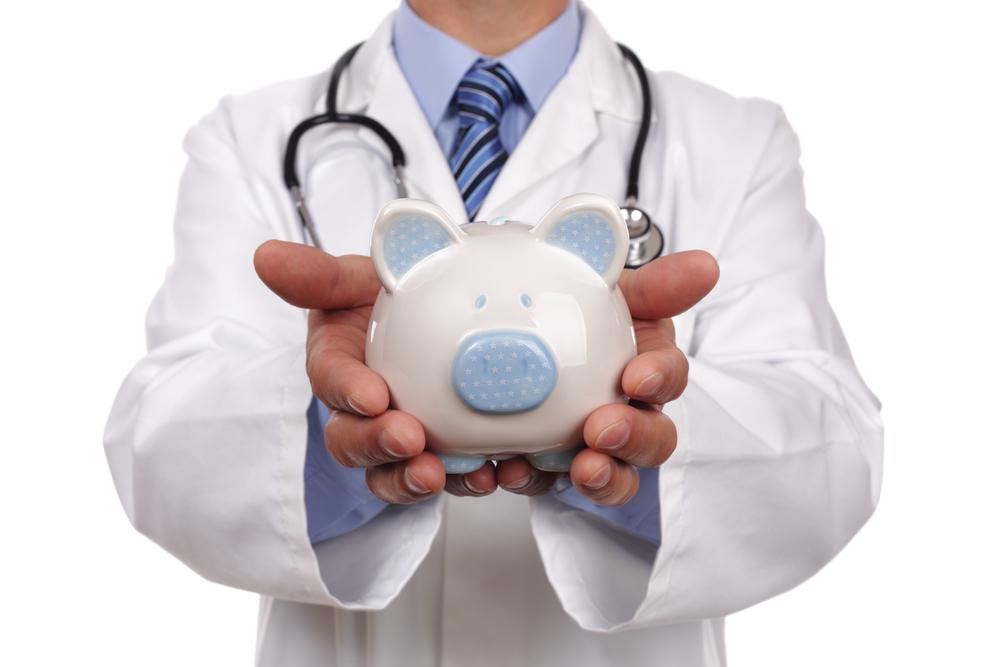 ¿Tiene la compañía de seguros la responsabilidad de pagar los gastos médicos mas  interéses? Featured Image