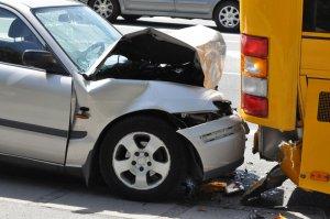 Estube en un accidente de auto. ¿Qué debo hacer?