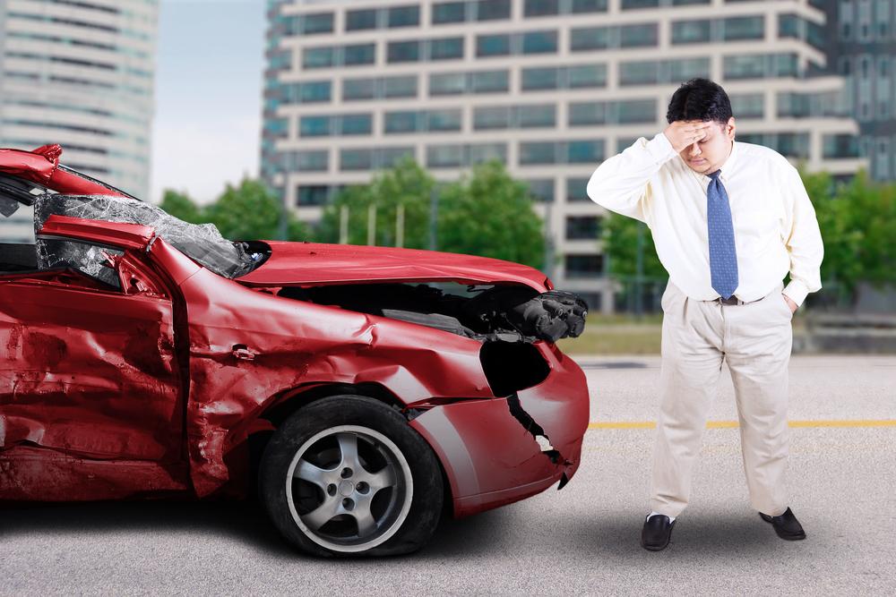 Fui lastimado en un accidente de auto pero no tengo licencia de conducir. ¿Aun puedo demandar al la compañía de seguros del conductor culpable? Featured Image