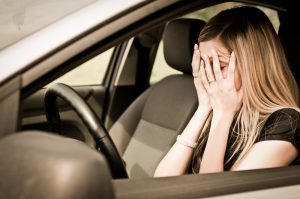 Las razones más comunes por las que los conductores son detenidos por tránsito en Houston (y cuanto le podría costar)